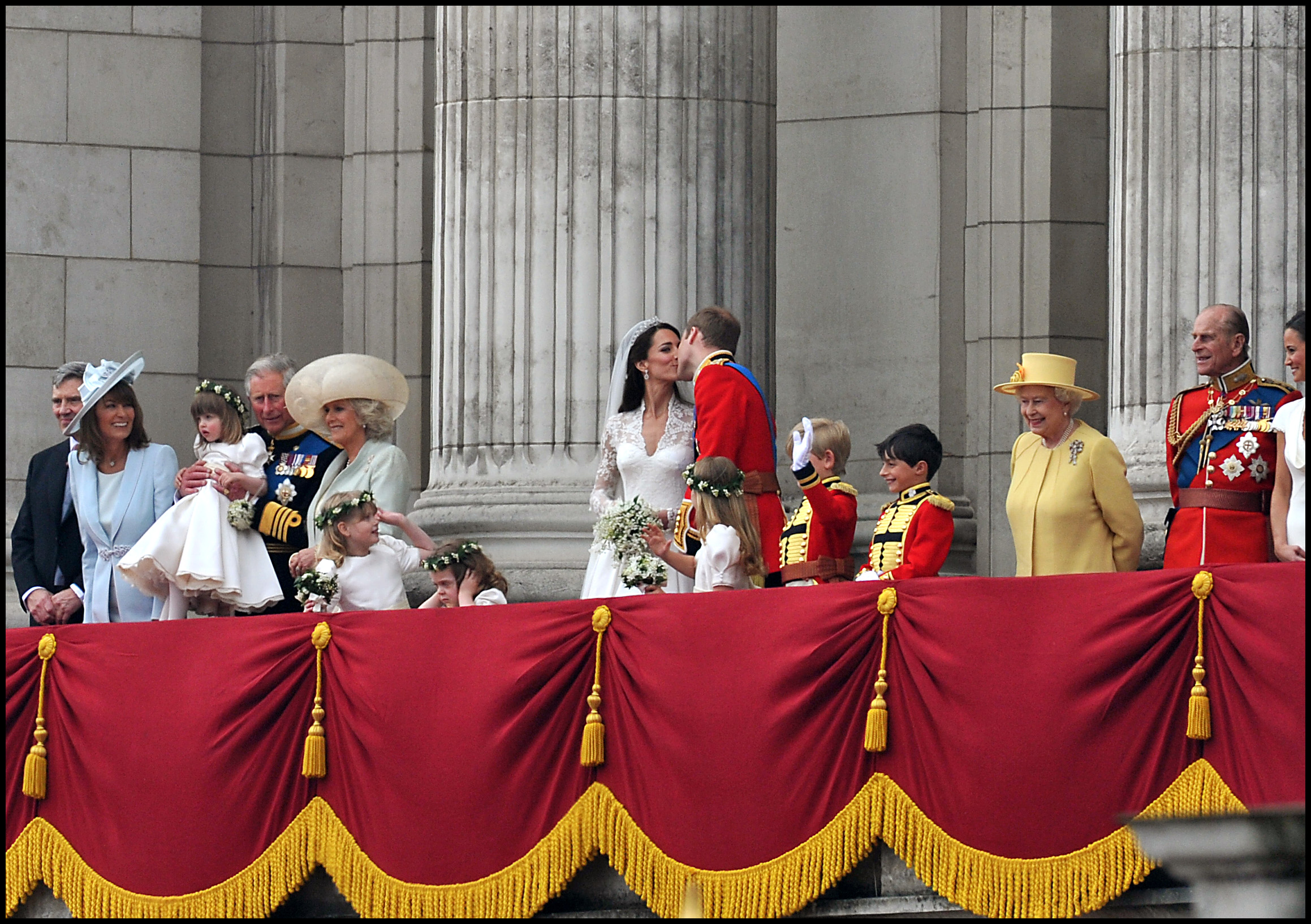Royal Wedding, Kate & William kiss on the balcony of Buckingham Palace, 29th April 2011. Photographer: Mark Allan.