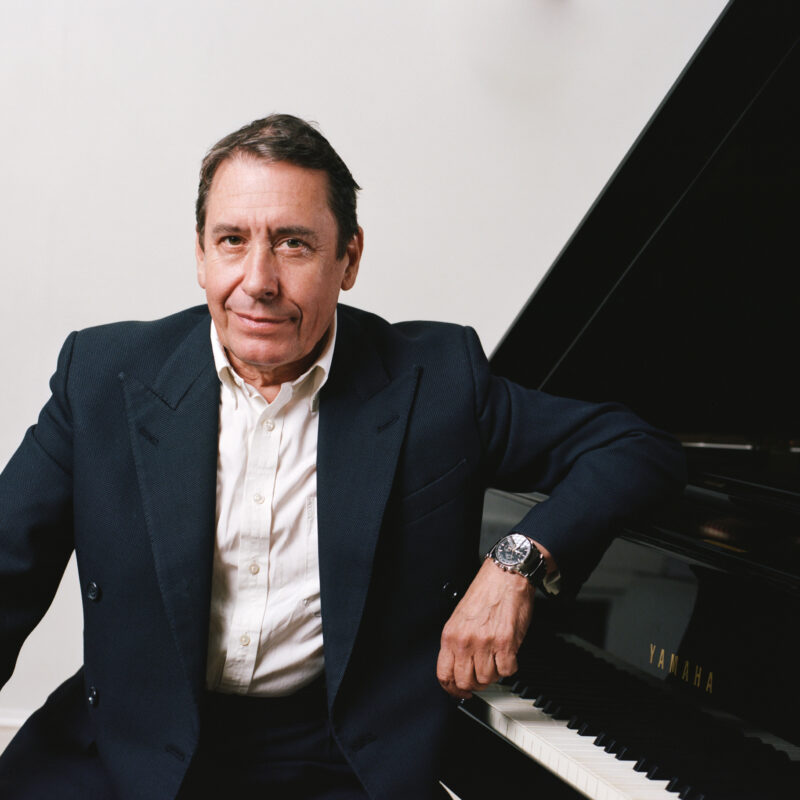 Jools Holland demomstrates his passion for early recordings: we hear Kathleen Ferrier and Isobel Baillie singing Mendelssohn in 1945 with the pianist Gerald Moore.