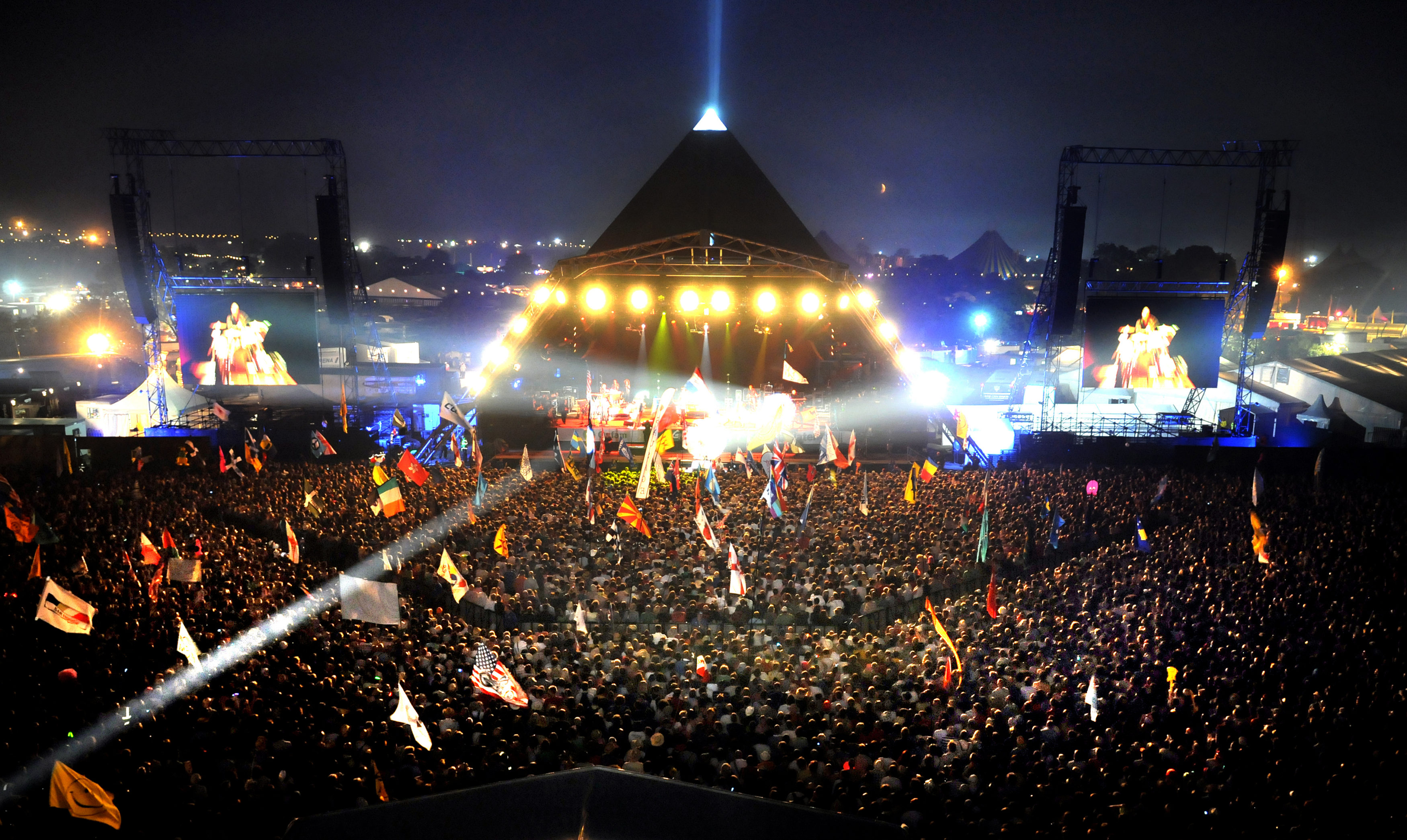View on the Pyramid Stage for Bruce Springsteen, Glastonbury 2009. Photographer: Sarah Jeynes. © BBC.